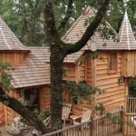 Milandes treehouse